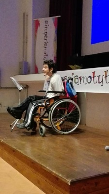 A presentation during the Impariamotutti.it conference for teachers and school professional organized by Associazione Istituti Fay Onlus in Querceta, Italy