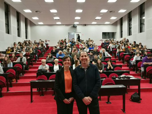 Public conference organized by Auver-Brain Association in France