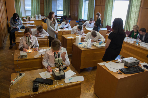 The Neuroanatomy and Neurohistology test during the Ukrainian Brain Bee, organized by Bogomoletz Institute of Physiology in Ukraine