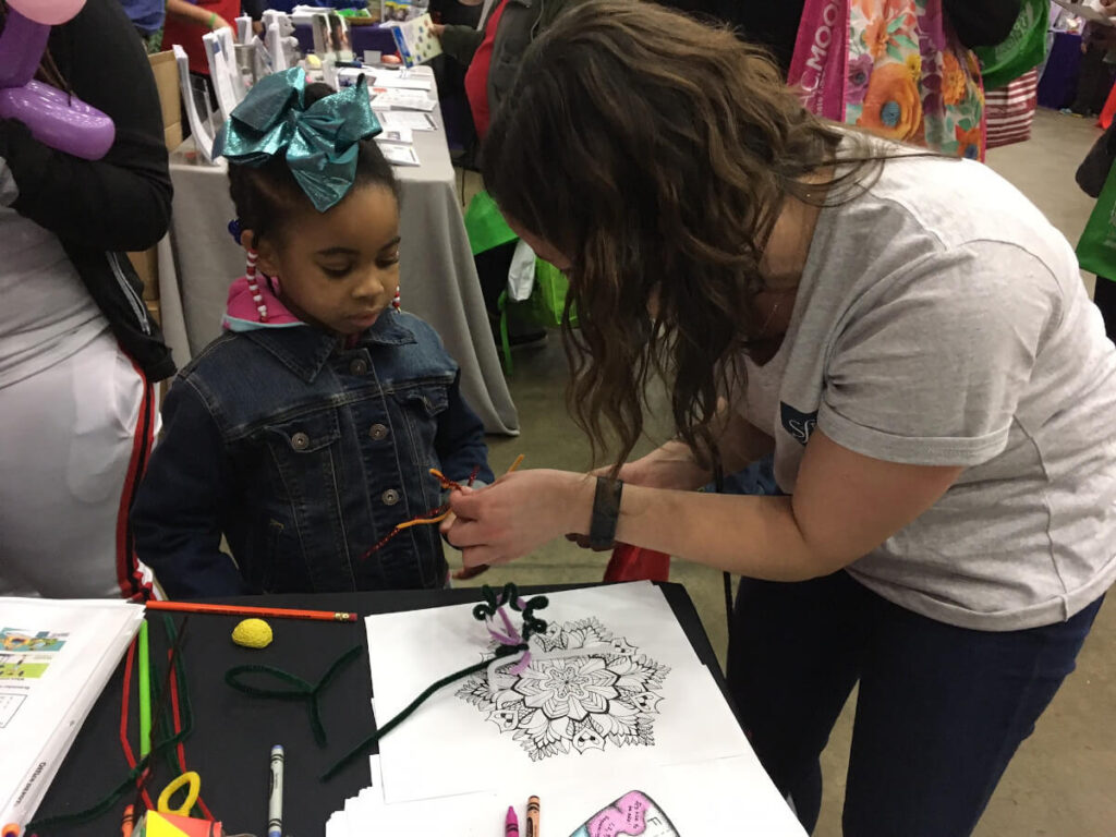 Making pipe cleaner neurons at the B'More Healthy Expo organized by BrainFutures in Maryland.