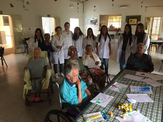 A visit to a care home for older people organized by Faculdade da Saúde e Ecologia Humana in Brazil