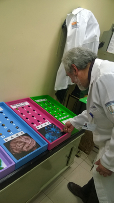 Brain Awareness Week games at Hospital Psiquiatríco Samuel Ramírez Moreno in Mexico