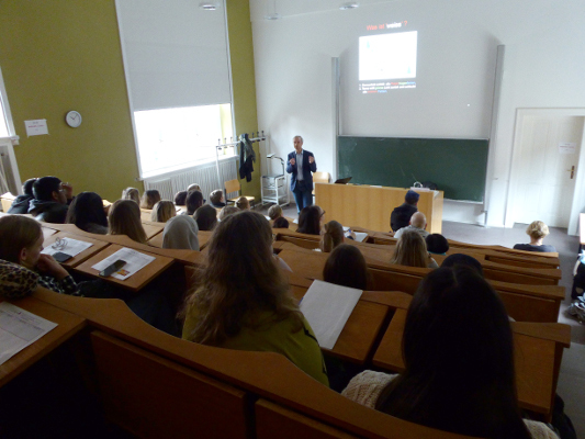 A lecture for pupils organized by Humboldt-Universität zu Berlin, Bernstein Center for Computational Neuroscience Berlin in Germany