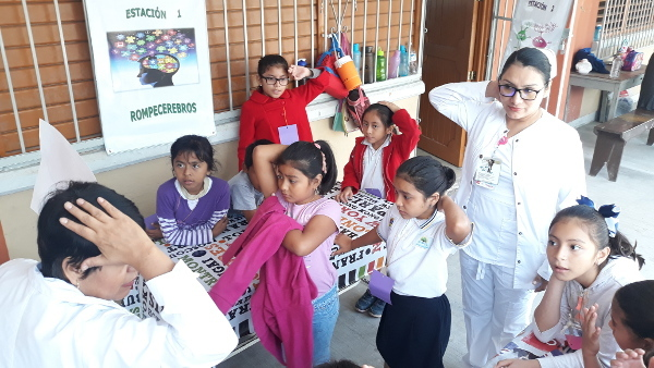 Children learn about the brain at an event organized by the Universidad de Quintana Roo in Chetumal, Mexico