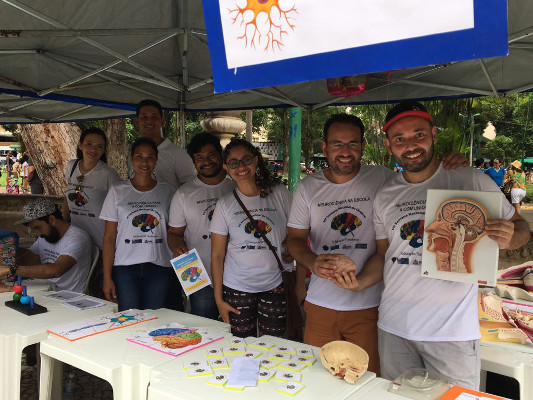 Memory games, puzzles, pamphlets, anatomical models in the Batista Campos's Plaza of Belém City, Brazil, organized by Universidade Federal do Pará