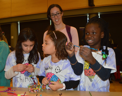 Students make neurons during a BAW Open House organized by the University of Washington